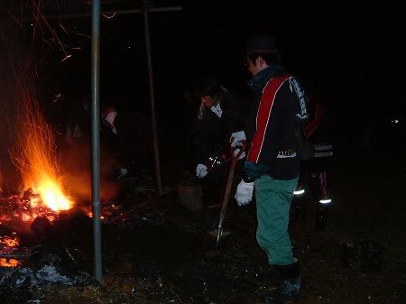 消防団が鎮火